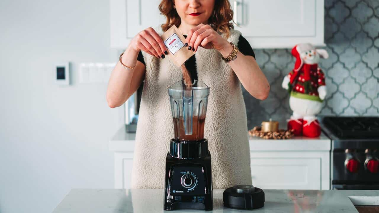 Nutribullet Pro vs Nutri Ninja Auto IQ: Which Is Best For You?